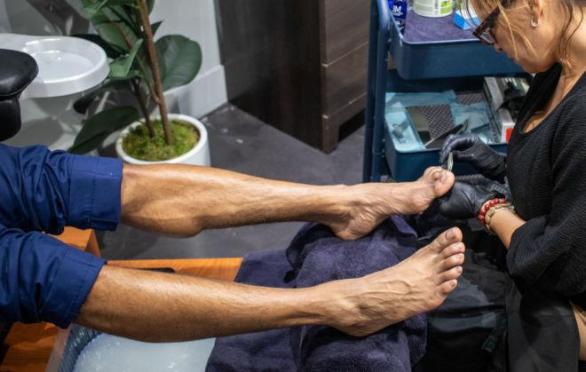 men's foot grooming