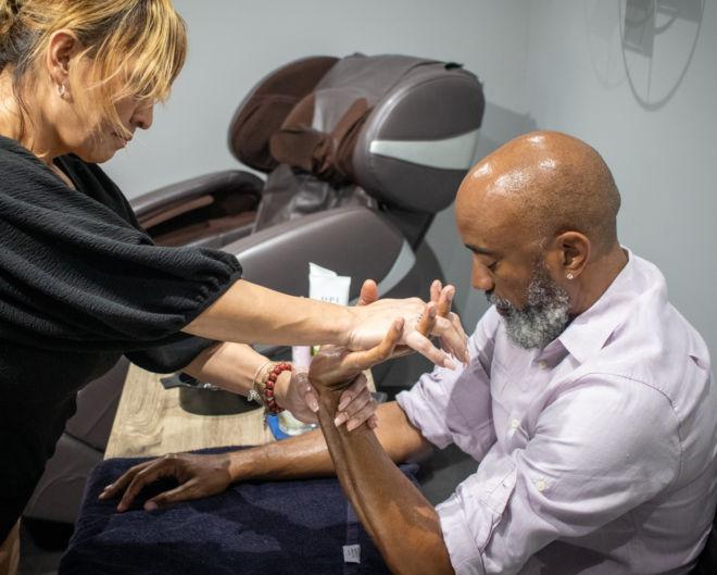 men's hand massage