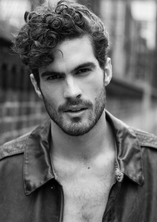 HAIRCUTS FOR MEN WITH CURLY HAIR THE SIDE PART