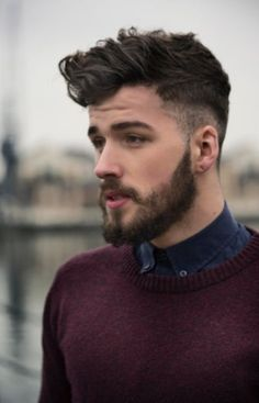 HAIRCUTS FOR MEN WITH CURLY HAIR the POMPADOUR
