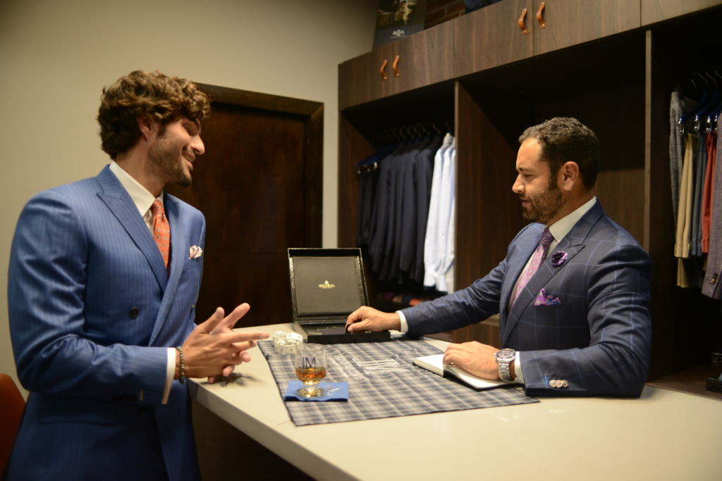 THE TOP WARDROBE ESSENTIALS EVERY MAN NEEDS: get advice from the experts